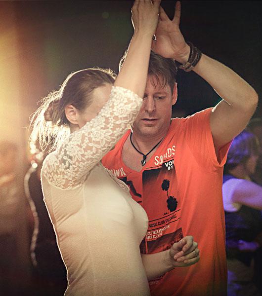 Buena Salsa Social Party